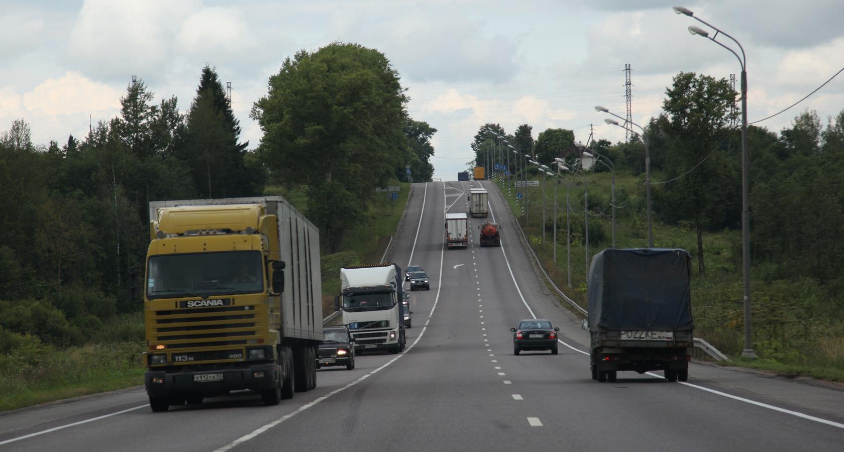 Уход игроков с рынка грузовых автоперевозок в 2014—2015 годах усилил дефицит провозных мощностей (Фото: Федор Борисов / Transport-Photo.com)