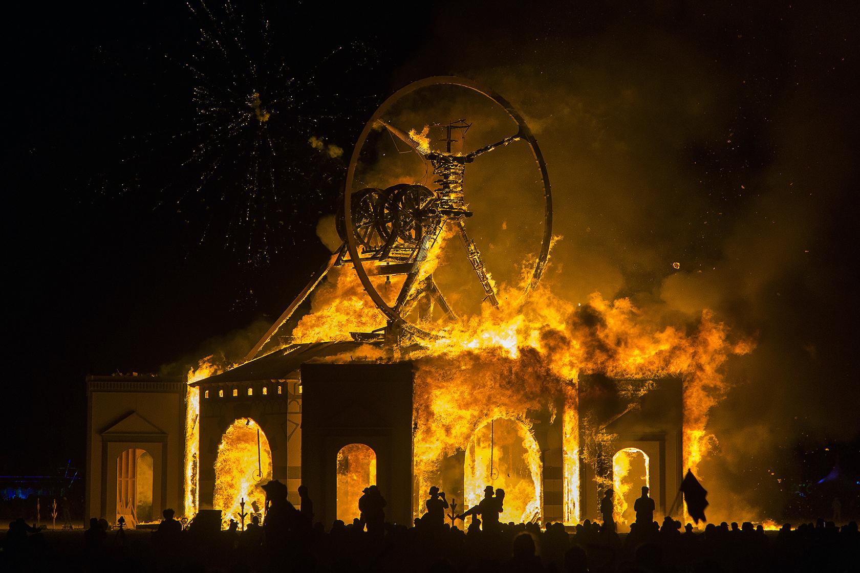 burning man,temple,fire,дворец,колесо сансары,сжигание,пожар