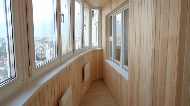 Укладка парапета на балконе