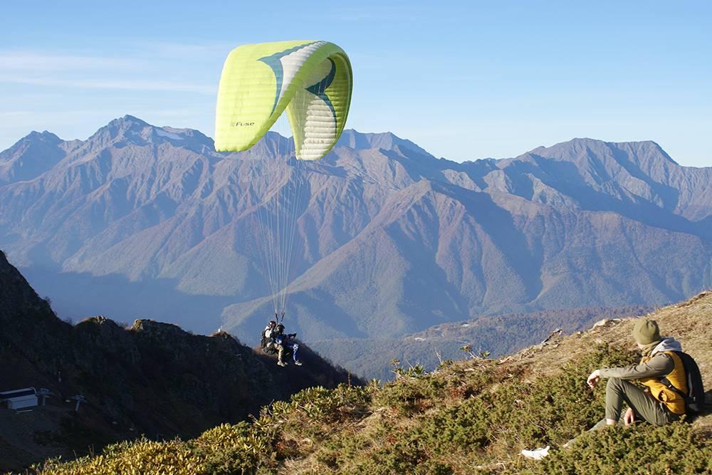 Такой вид открывается с высоты 2320 метров. Чтобы подняться туда, придется заплатить за канатку 1100 Р