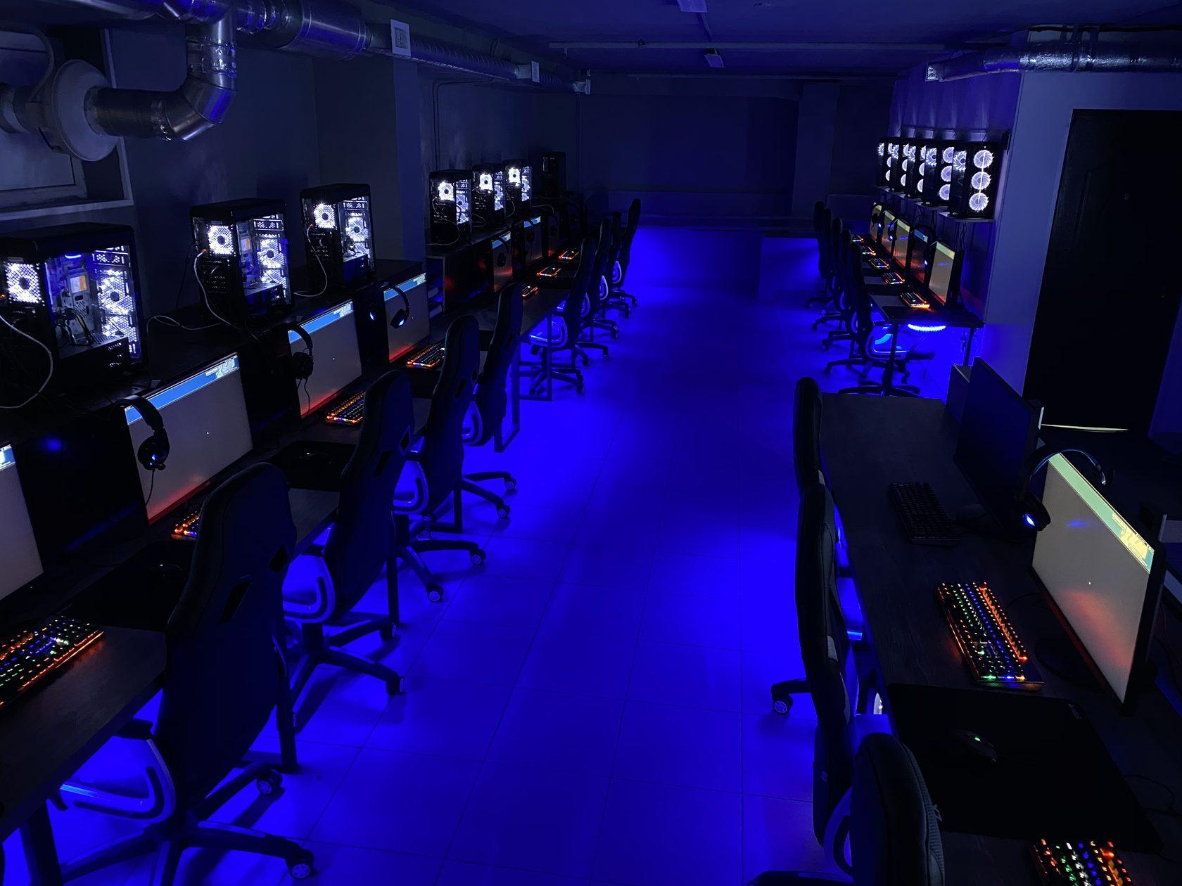 Компьютерном игры стоимость клубе в часа москве скупка магазины часов антикварные в