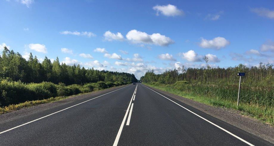 Ремонтные работы на участках федеральных трасс Р-23 и А-120 завершены на месяц раньше запланированных сроков (фото: Росавтодор)