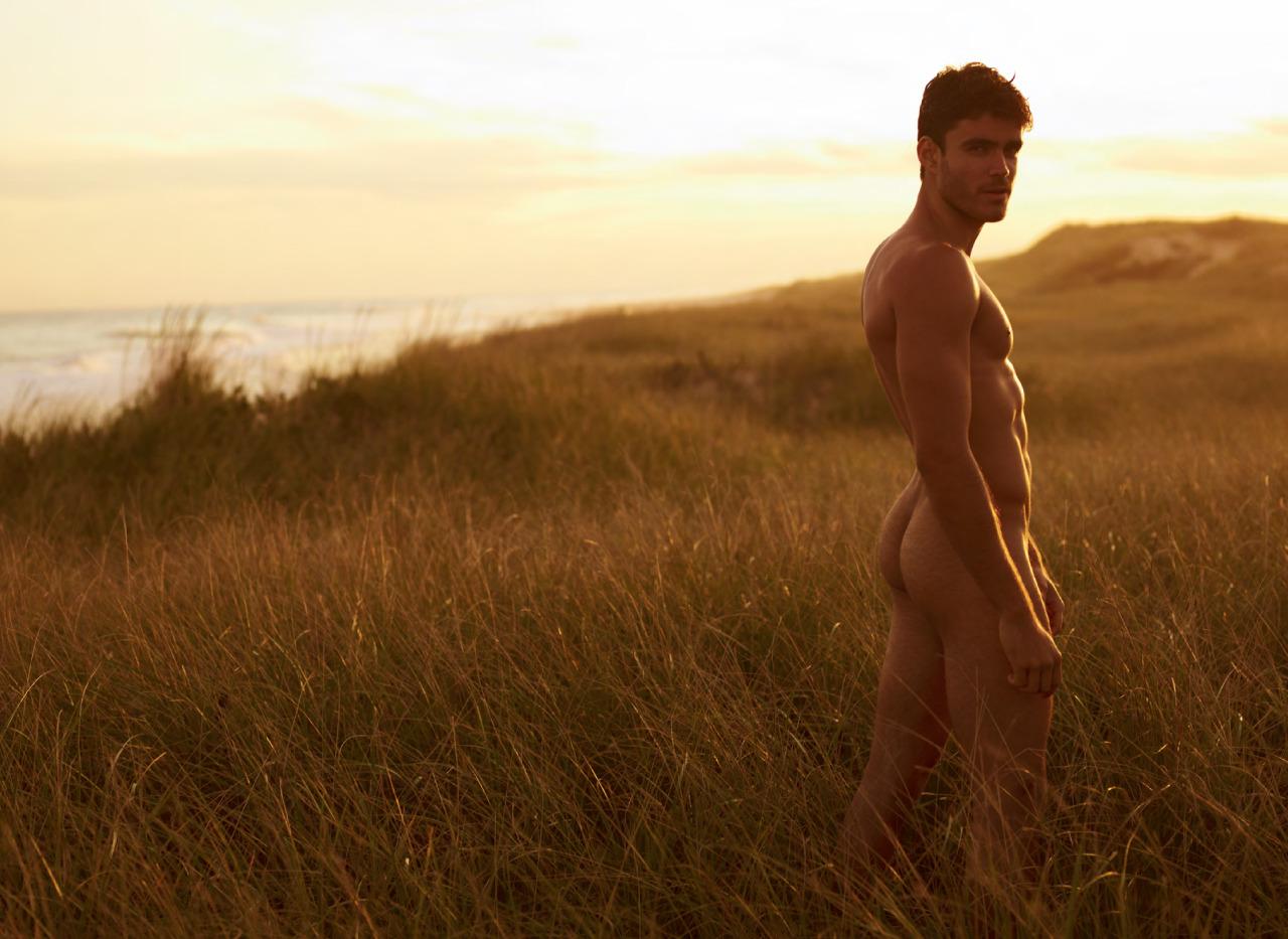 Новые фото голых парней на природе 9