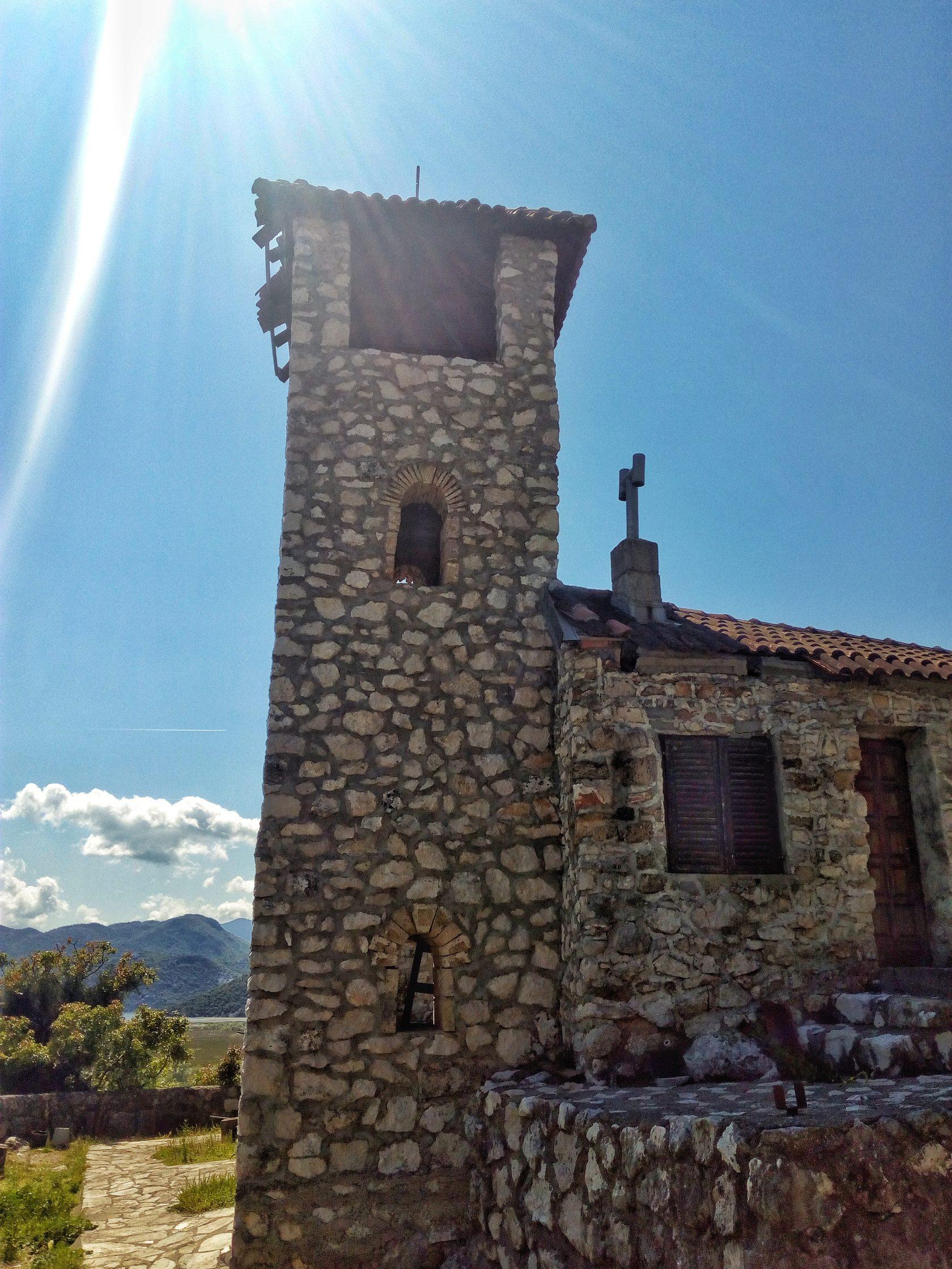 монастырь ком, остров ком, черногория