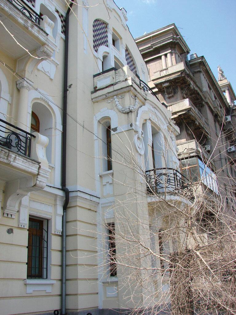 Дом во Владивостоке, где родился Юл Бриннер (Алеутская ул., 15). фото: Michael Goodine