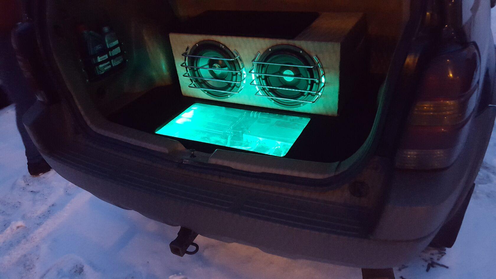 установка сабвуфера в форд эскейп маверик
