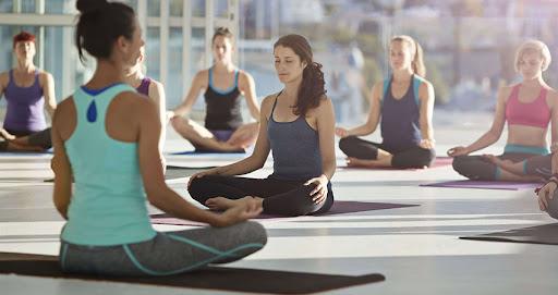 Групповая йога для оздоровления