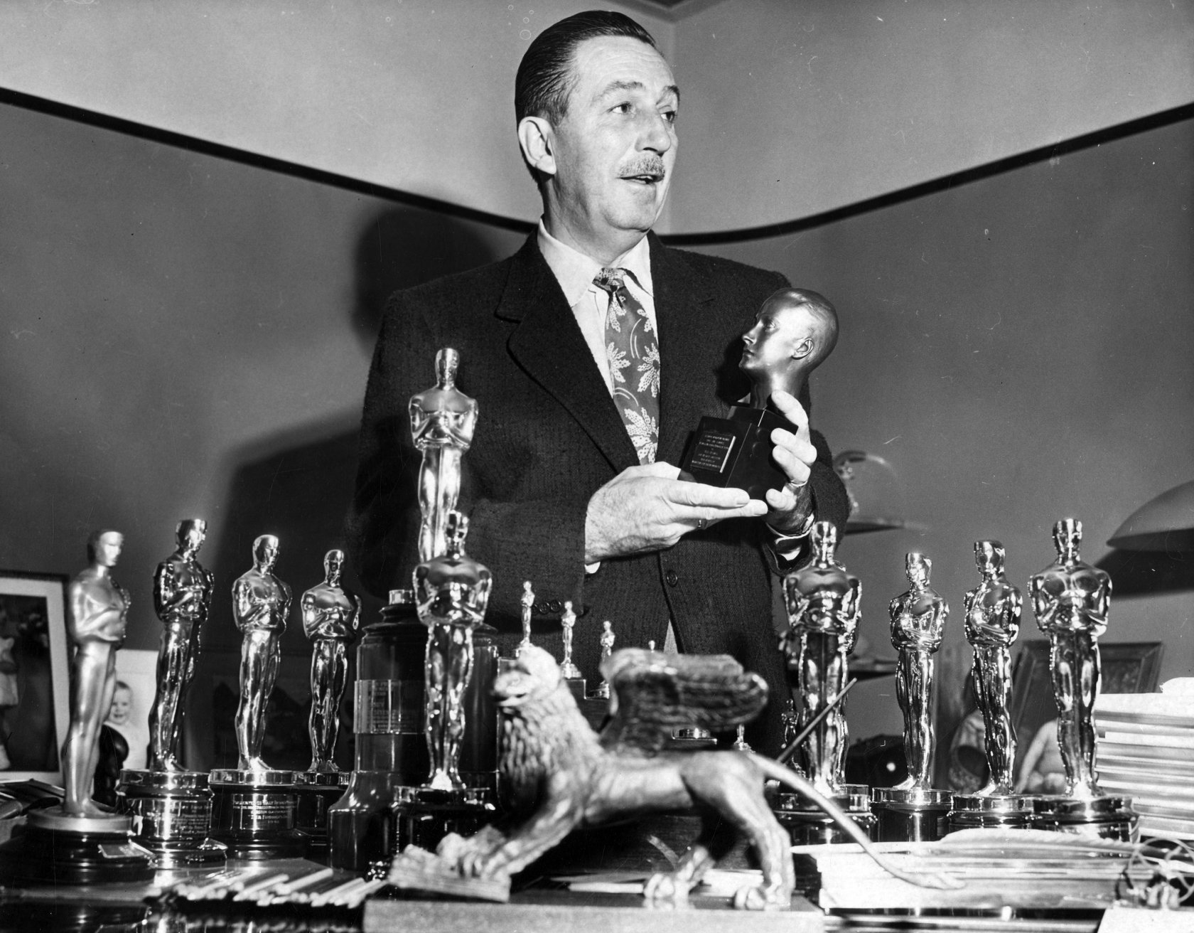 an introduction to the life and career of walt disney Walt disney's personal awards included honorary degrees from harvard, yale, the university of after the war, walt returned to kansas city, where he began his career as an advertising cartoonist in august of 1923, walt disney left kansas city for hollywood with nothing but a few drawing materials.