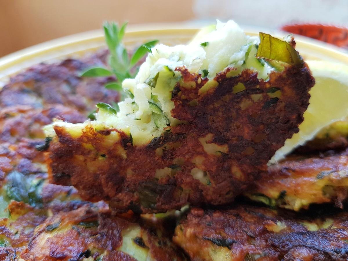 Оладьи из цукинни (кабачки) с сыром. Рецепт с фото. Вкусный Израиль.