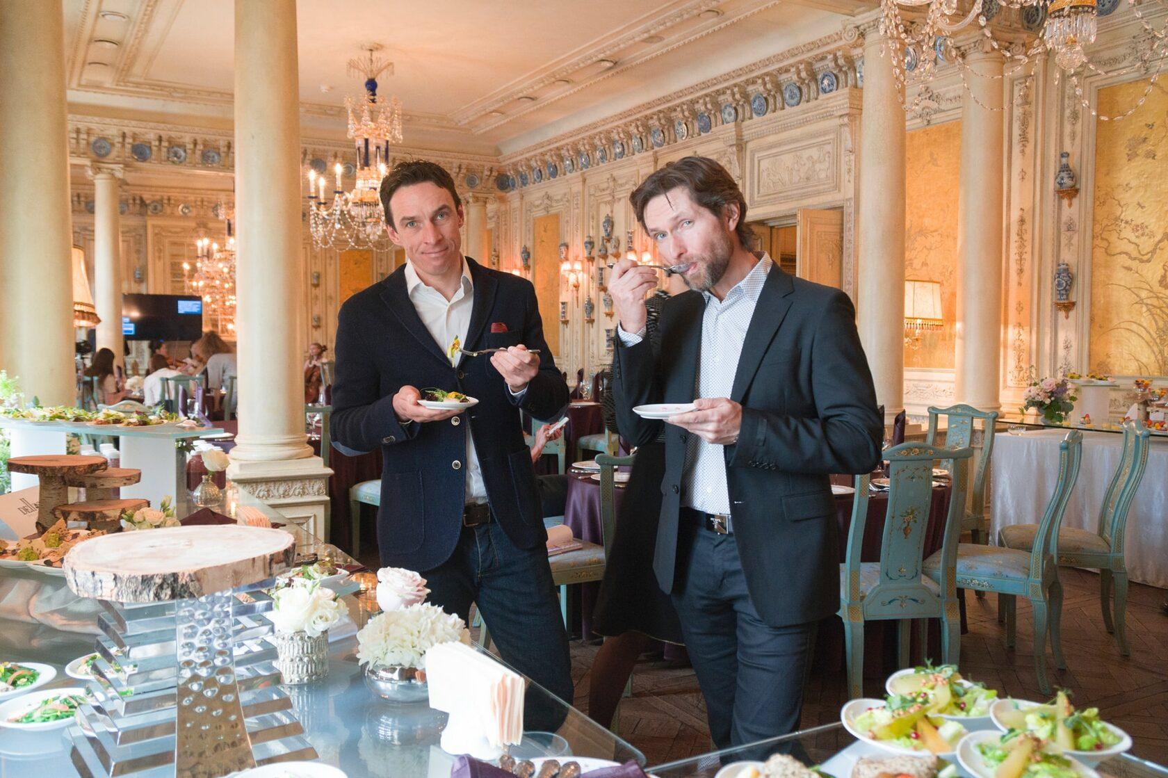 Сооснователи PRO TRENER - Андрей Жуков и Антон Феоктистов на пресс-завтраке в ресторане «Турандот»