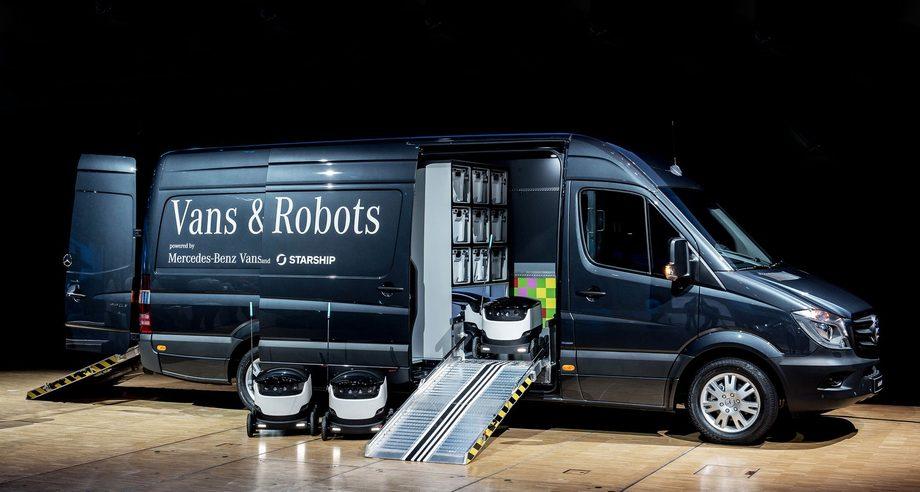 Фургон Sprinter может перевозить до восьми роботов — развозчиков грузов (Фото: Starship Technologies)