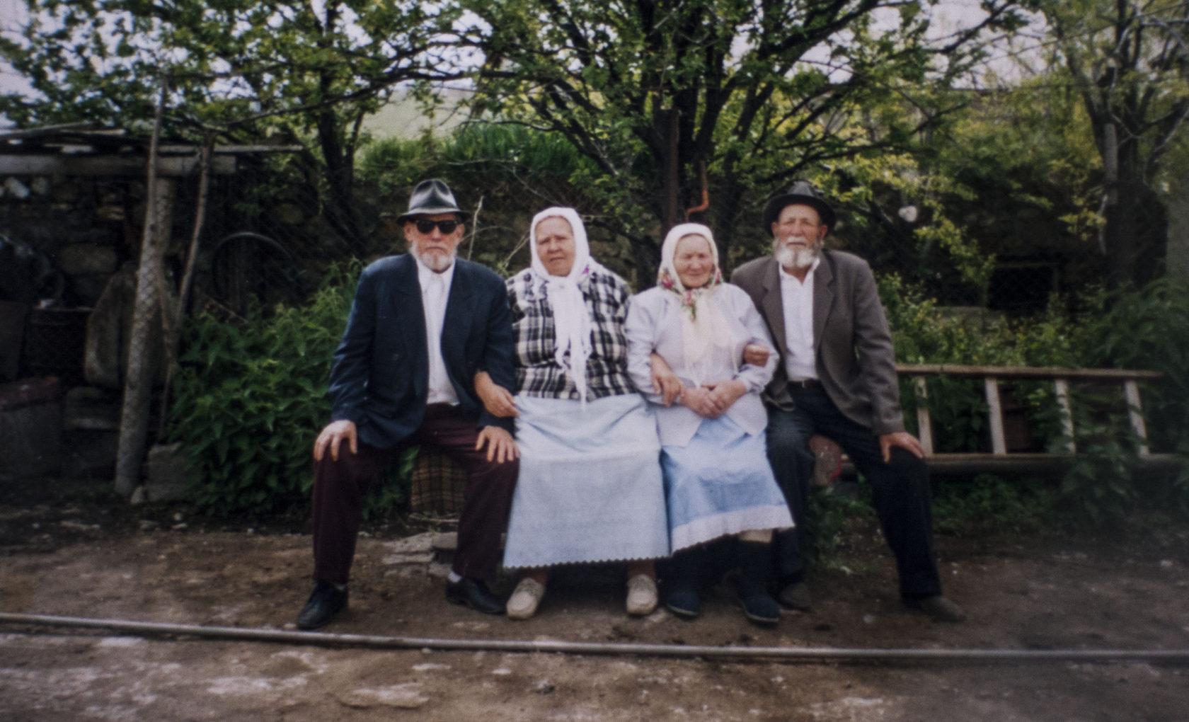 Աննա Կուդրյաշովան ամուսնու՝ Վասիլի Կուդրյաշովի հետ (ձախից) Շորժա գյուղում