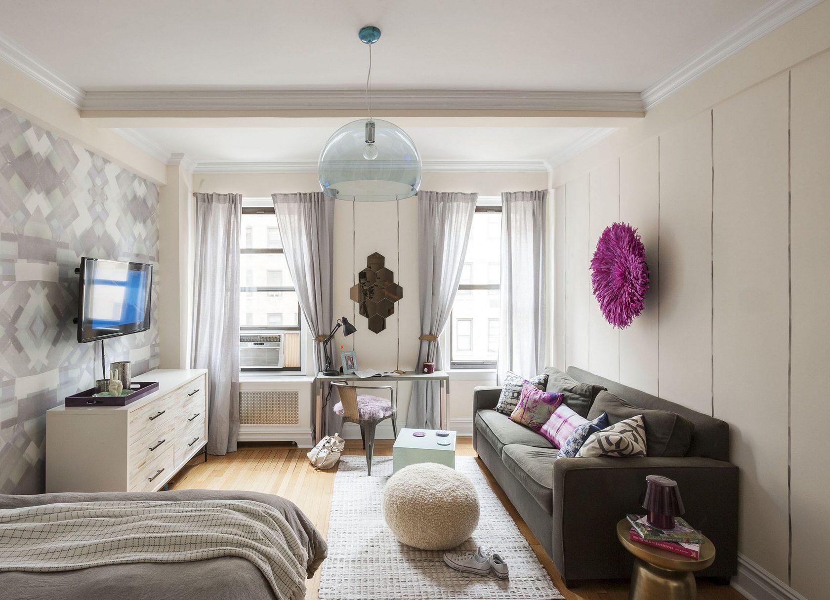 Дизайн комнаты с двумя окнами