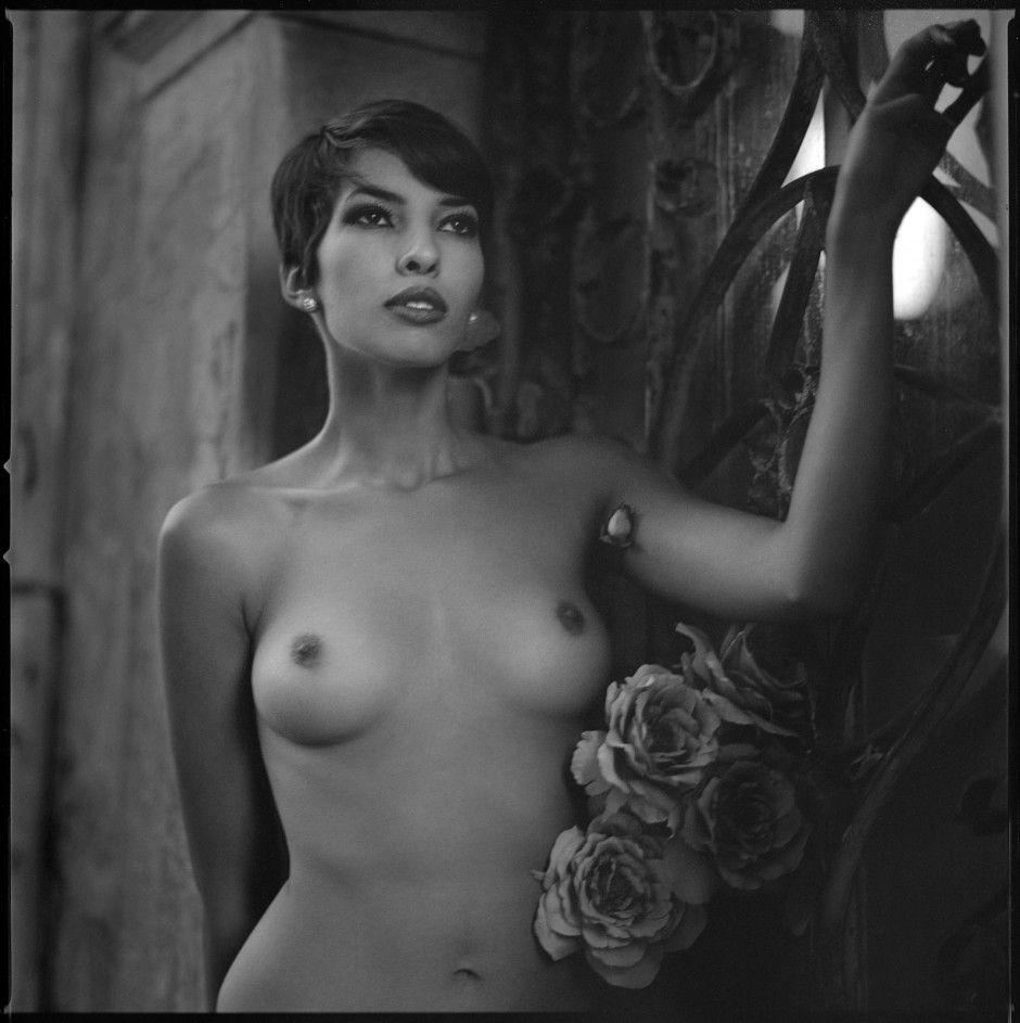 Эротика фото дам польши, брюнетки в групповом сексе в чулках