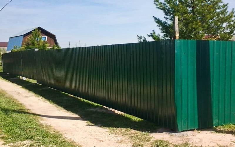 Забор из профнастила цвет зеленый
