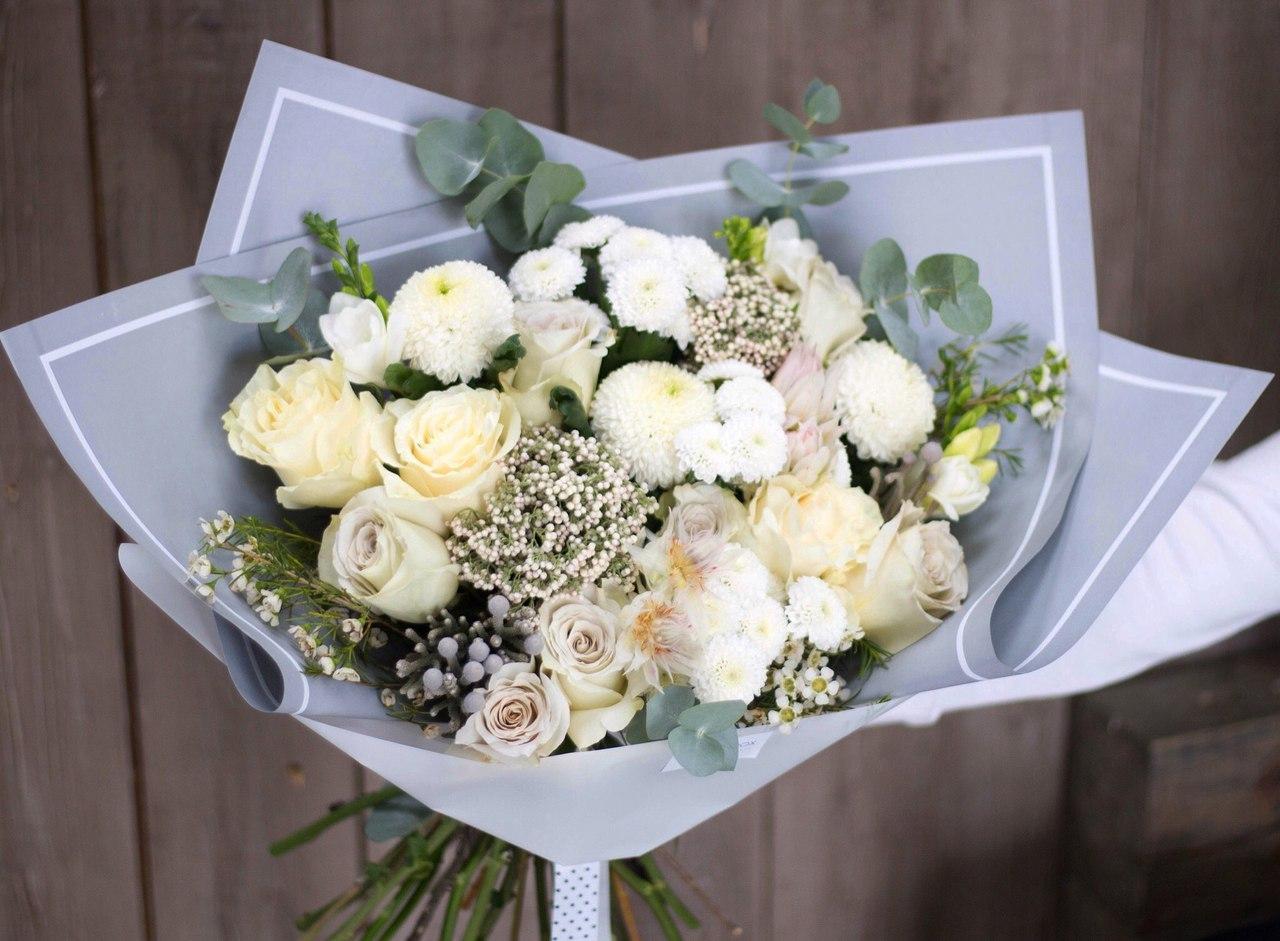 Какой букет цветов подарить на свадьбу невесте, букеты