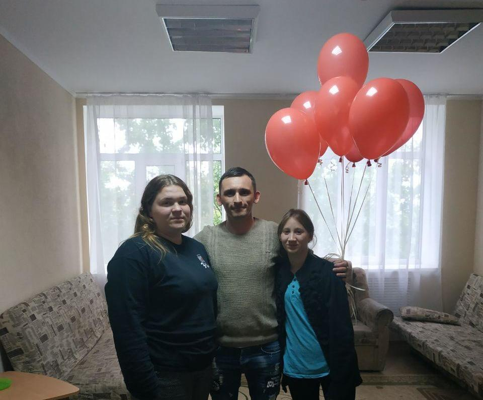 артия Шария поздравила с Днём защиты детей воспитанников Сватовской спецшколы