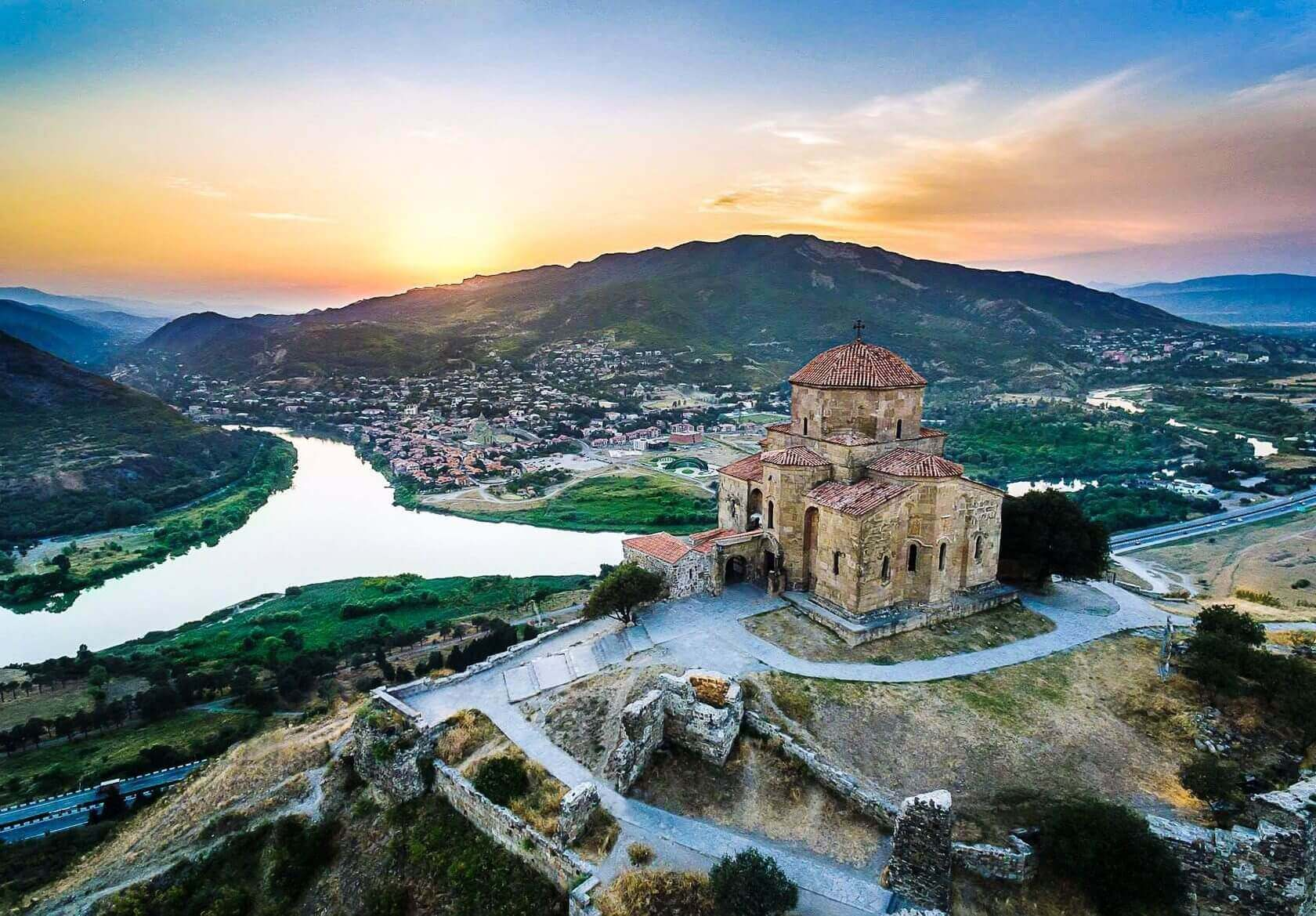 Автобусный тур в Грузию Ананури-Тбилиси-Мцхета 2019 из Саратова