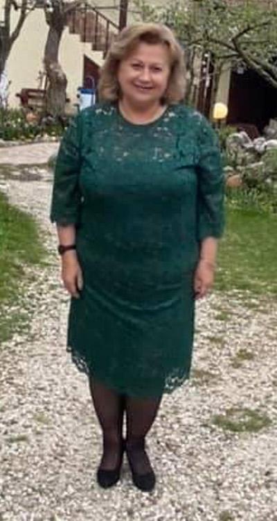Официални дантелени рокли от Ефреа.