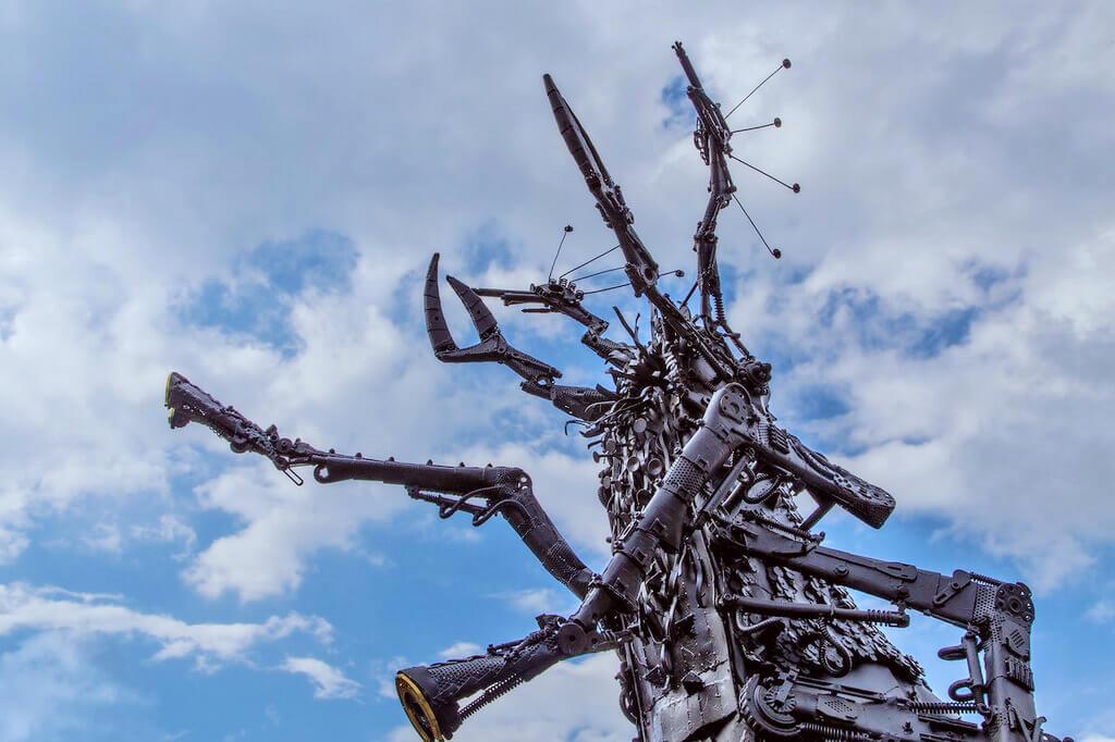 Памятник блохе Тула