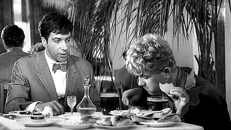 Кадр из фильма «Золотой теленок» (1968)