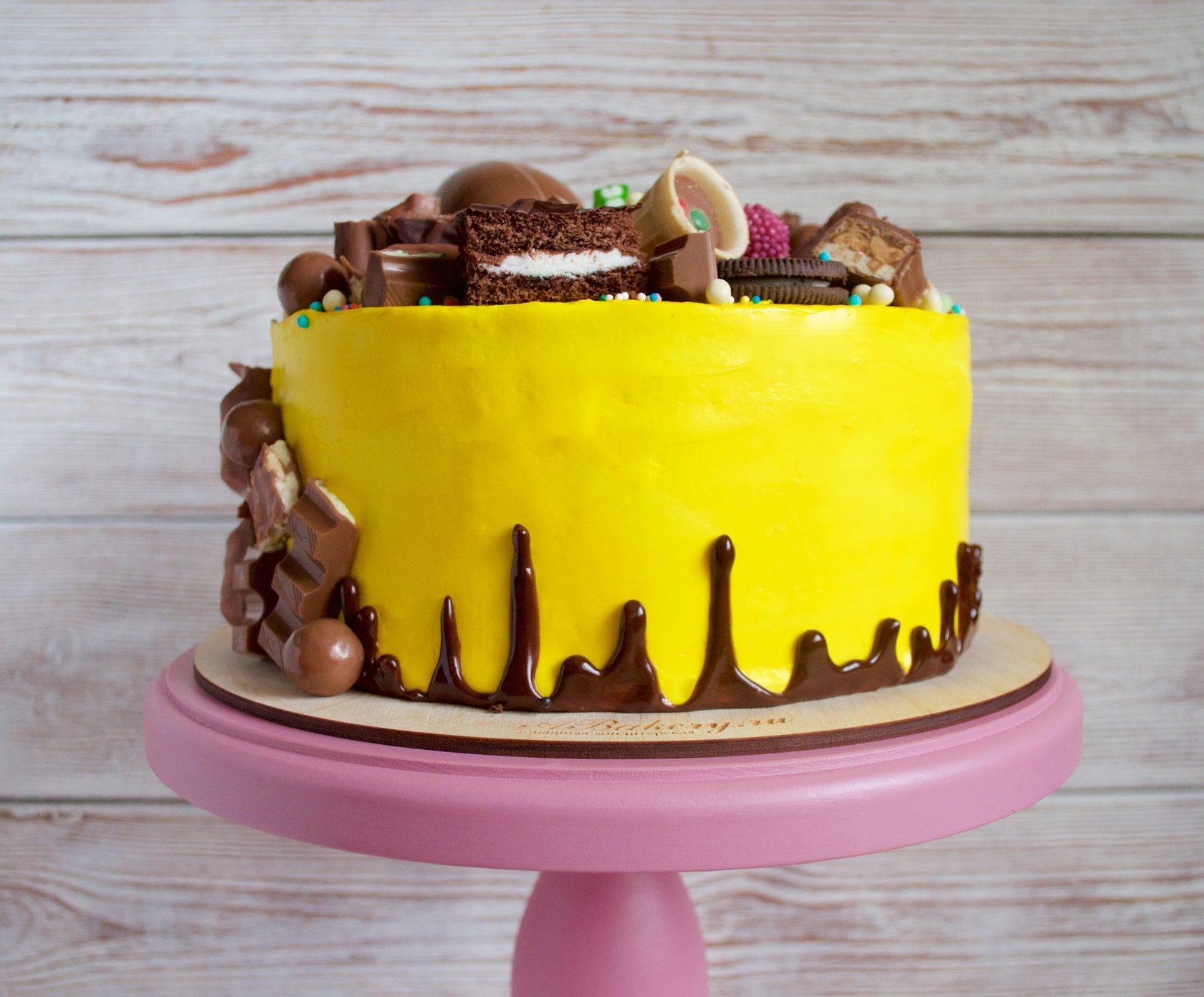 торт в желтом цвете