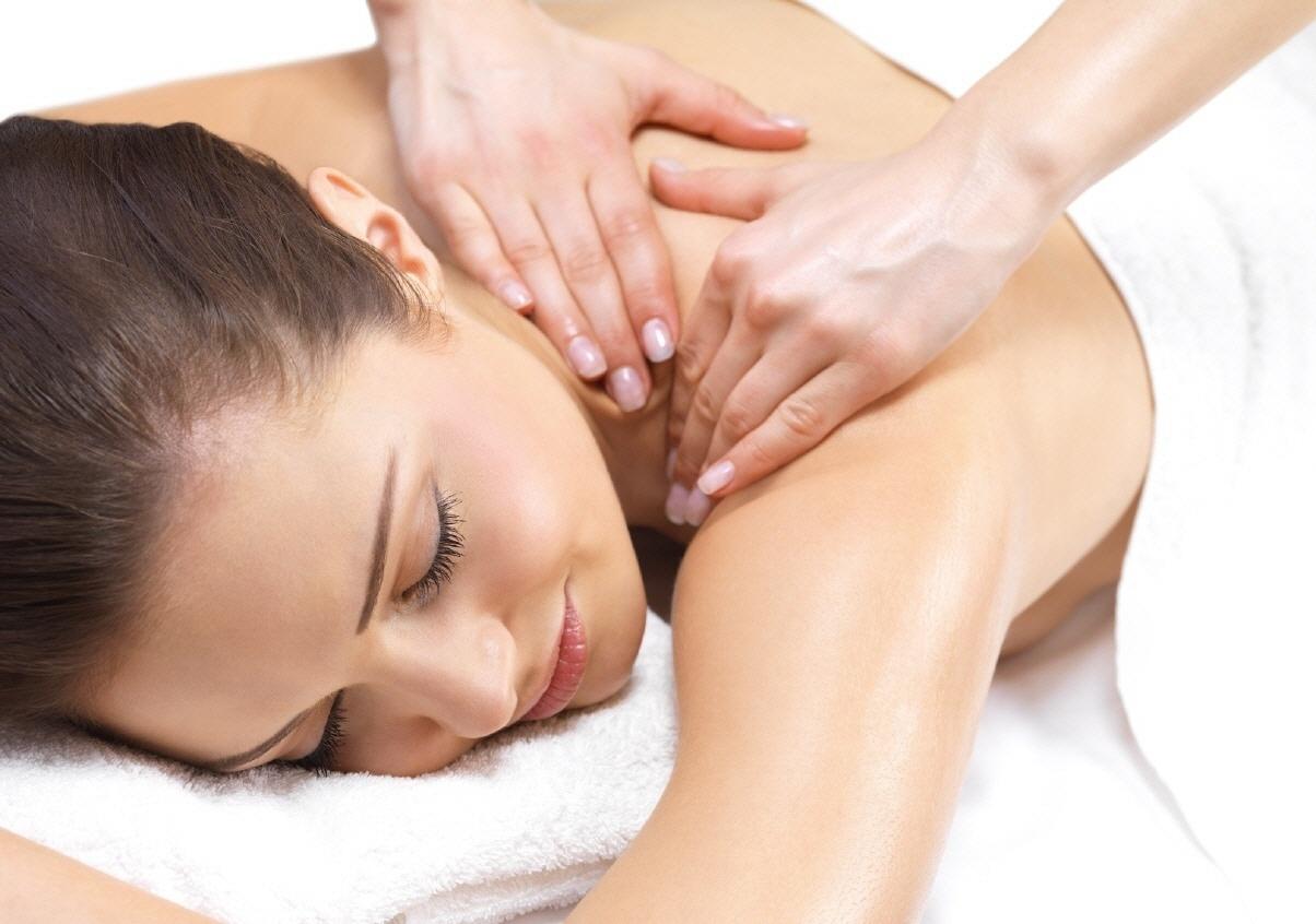 gymnast-asian-professional-massage-licenced-massage-therapist