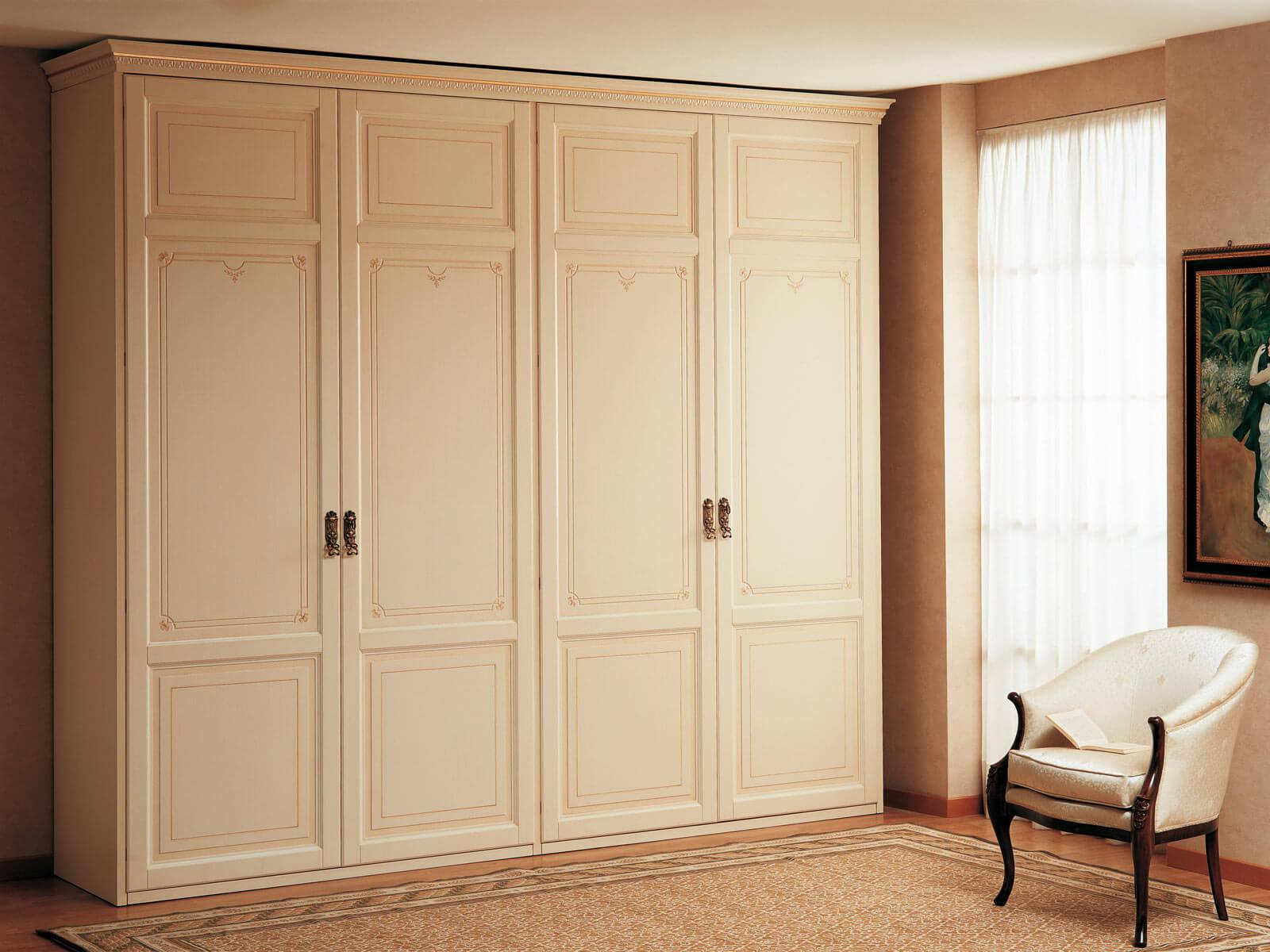 двух шкафы для спальни в классическом стиле фото случай
