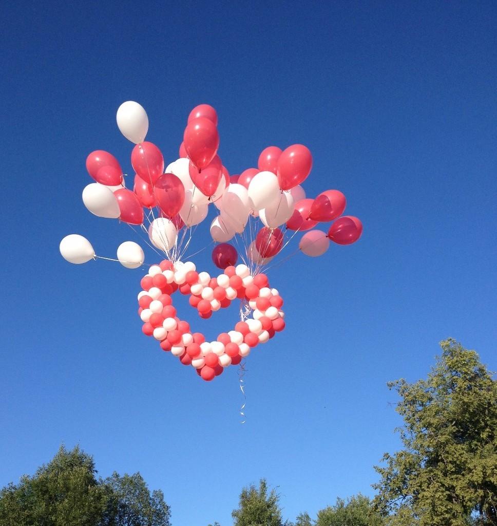 необходимо для фото воздушных шариков сердец барышни, которые сделали