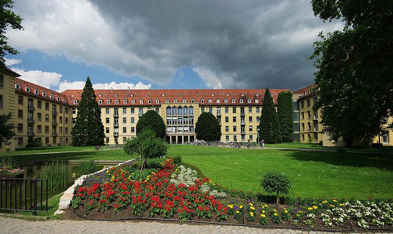 "<div style=""font-size:26px;"" data-customstyle=""yes""><a href=""https://www.uniklinik-freiburg.de/de.html"" style="""">Universitätsklinik Freiburg - Університетська клініка м. Фрайбурга</a></div>"