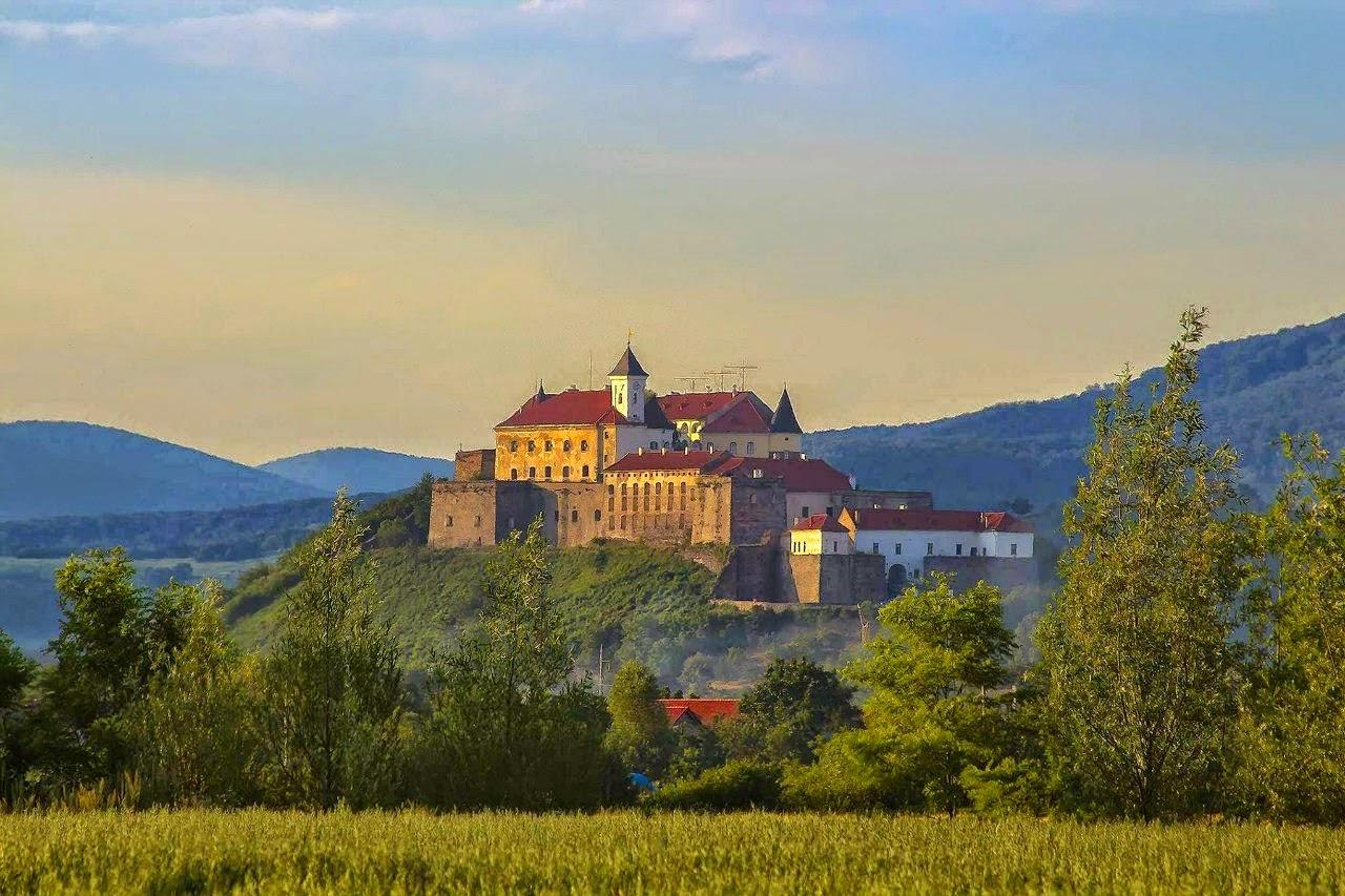 Містичний замок