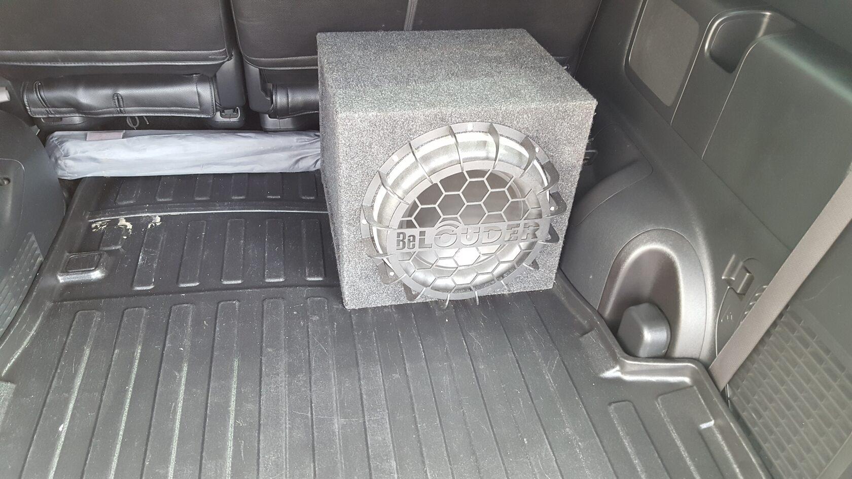 сабвуфер в хонда степвагон