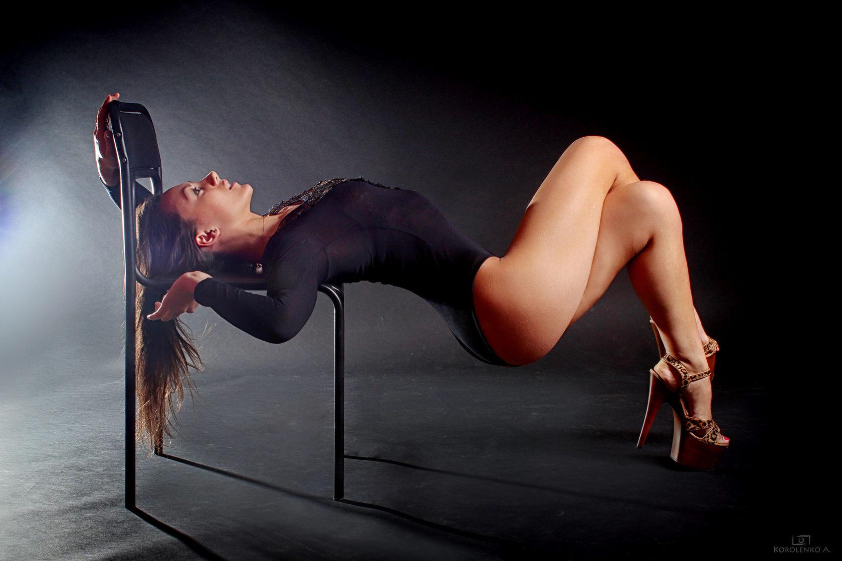 Watch Hot Girl Dance