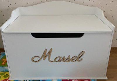 mantu kaste bērnu istabai, bērnistabas kaste, kastīte rotaļām, koka kaste