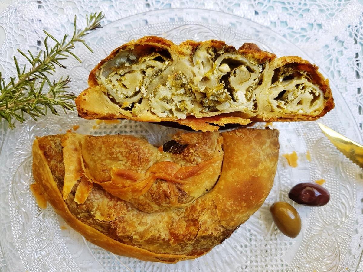Пирог улитка с сыром и шпинатом. Вытяжное тесто - видео рецепт