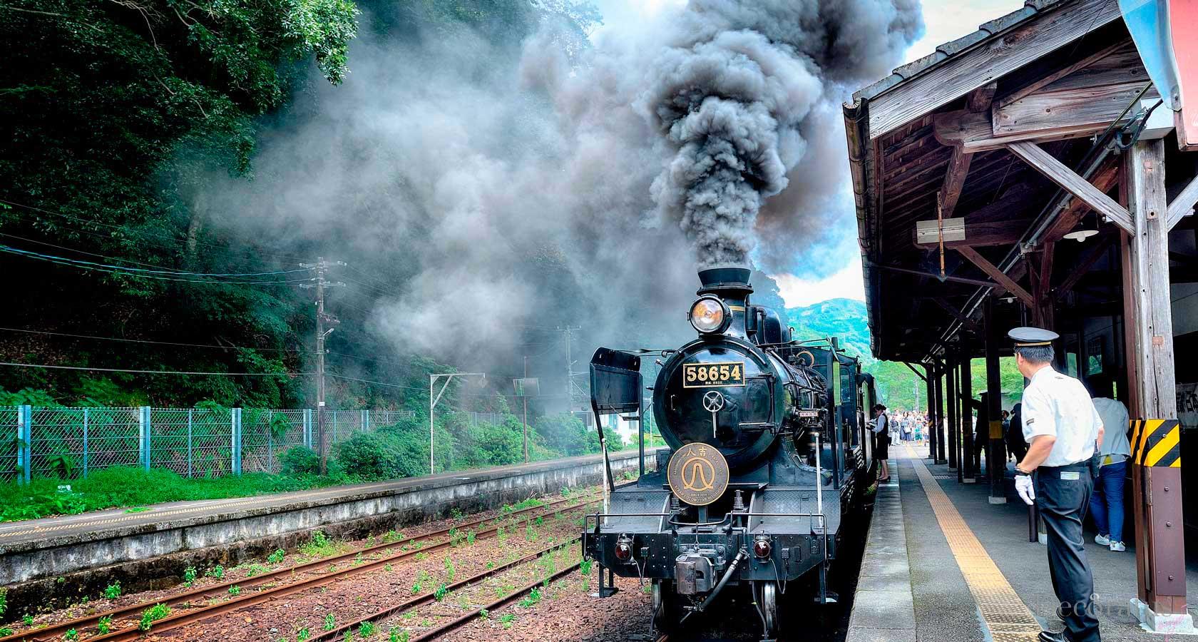 тематический ретро поезд в японии