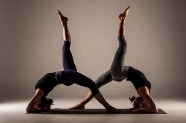 Йога в паре для начинающих