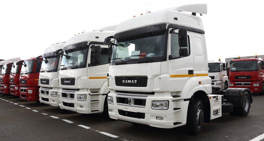 По словам руководства компании, очередь на приобретение обновленного тягача Neo «расписана до августа» (фото: ПАО «КамАЗ»)