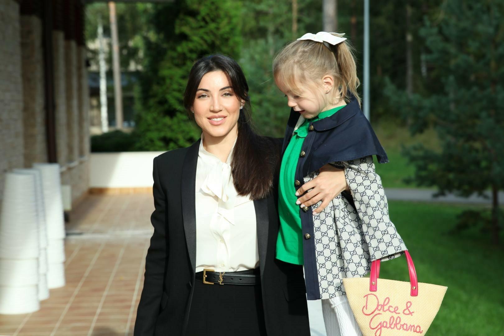 Лилия Шалунова с дочкой Алисой