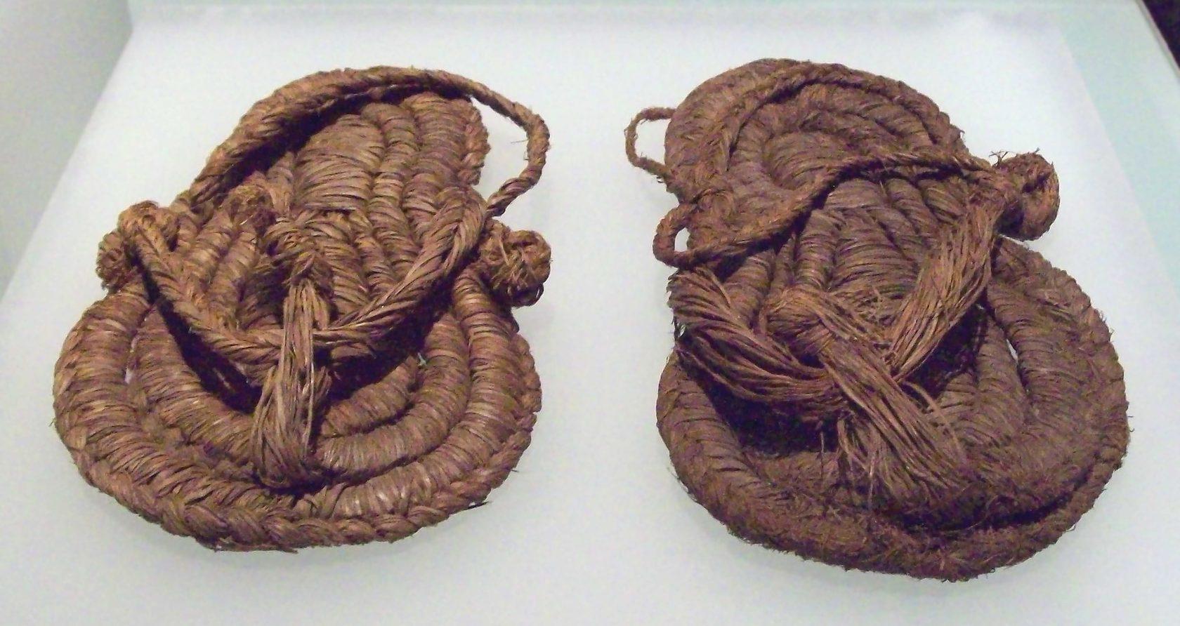 Сандалии 5-6 веков, найдены в Испании