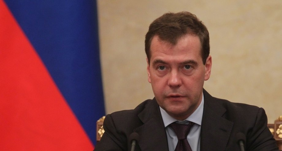 По словам Дмитрия Медведева, принятые поправки к закону облегчат жизнь автомобилистов (фото: правительство РФ)