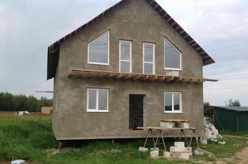 Отличное решение - винтовой свайный фундамент для кирпичного дома