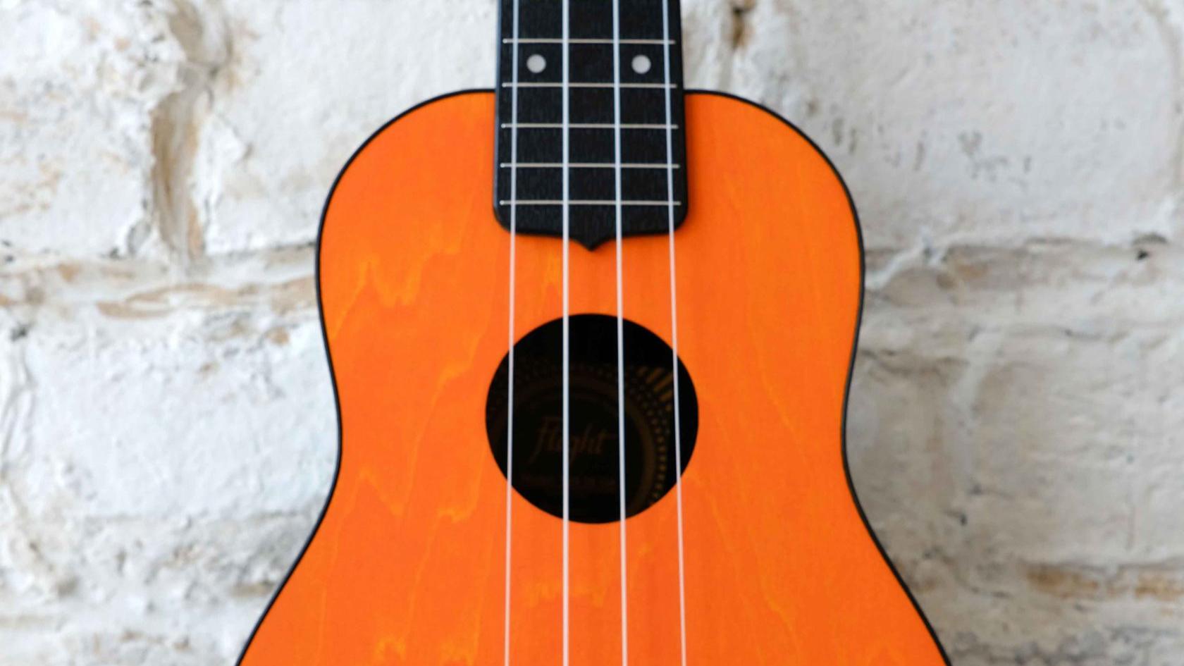 укулеле сопрано Flight с фирменным чехлом в комплекте в музыкальном магазине Ukelovers, ukulele soprano, укулела, укулеле для детей от 3 лет, travel ukulele, тревел укулеле