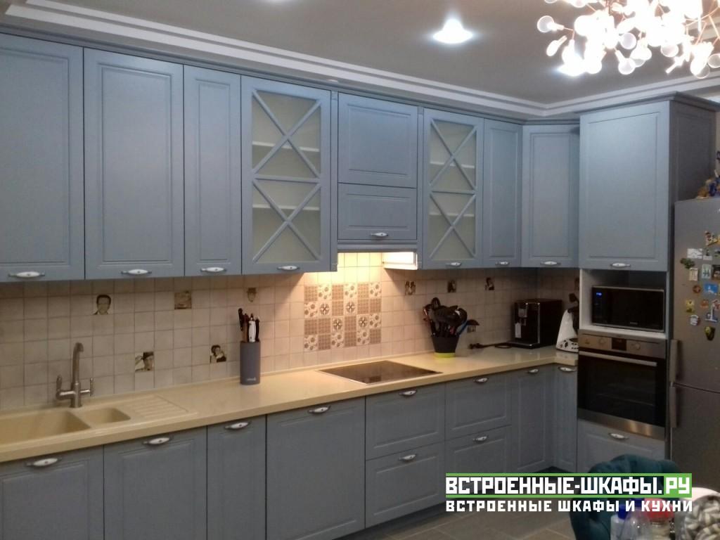 Угловая мебель для кухни в классическом стиле