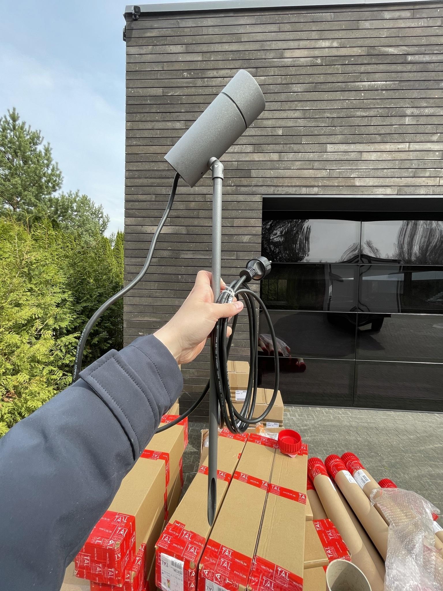 Световые приборы, которые мы использовали для ландшафтного освещения на этом проекте
