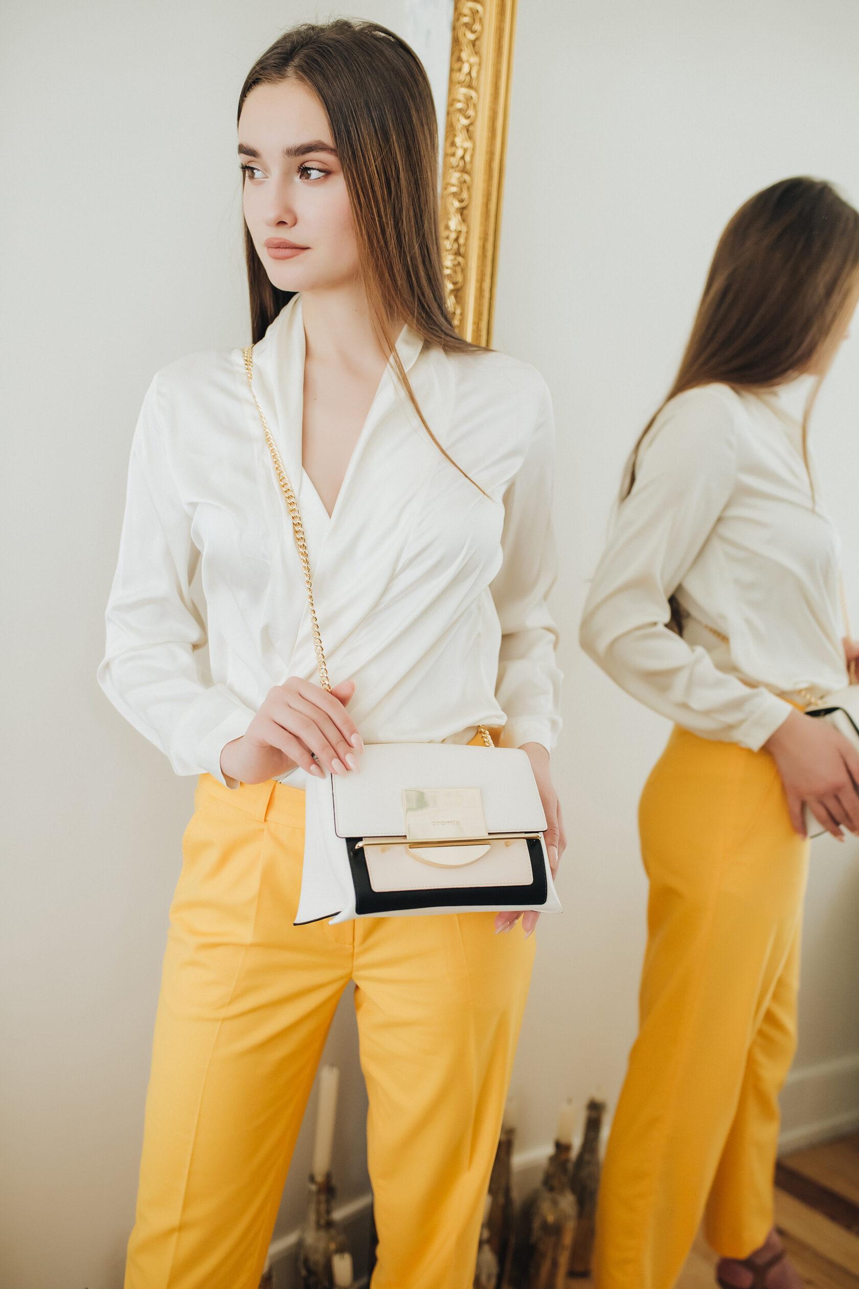 Блуза с запахом и брюки