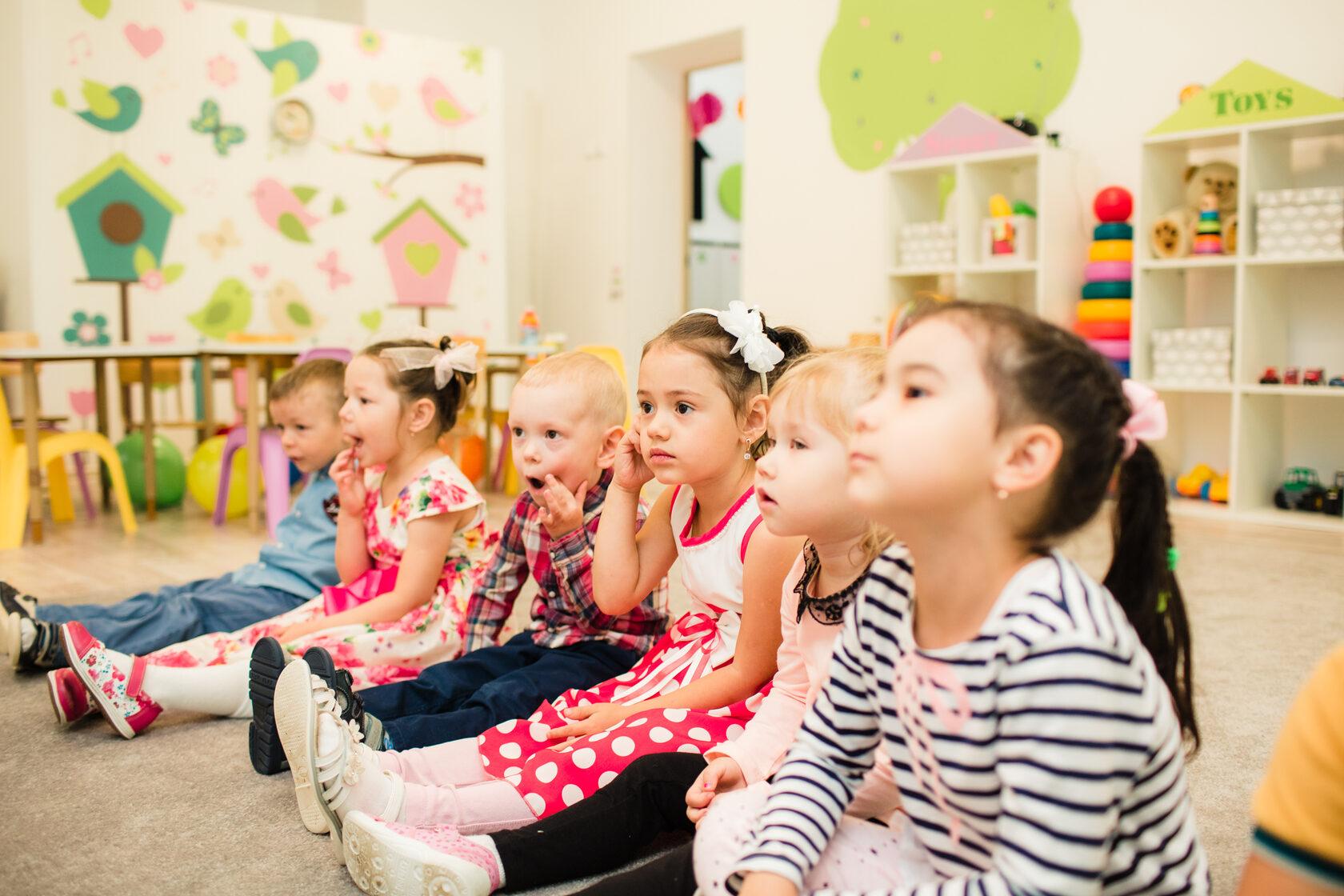Дети получат гарантированное право учиться в садике у своего дома