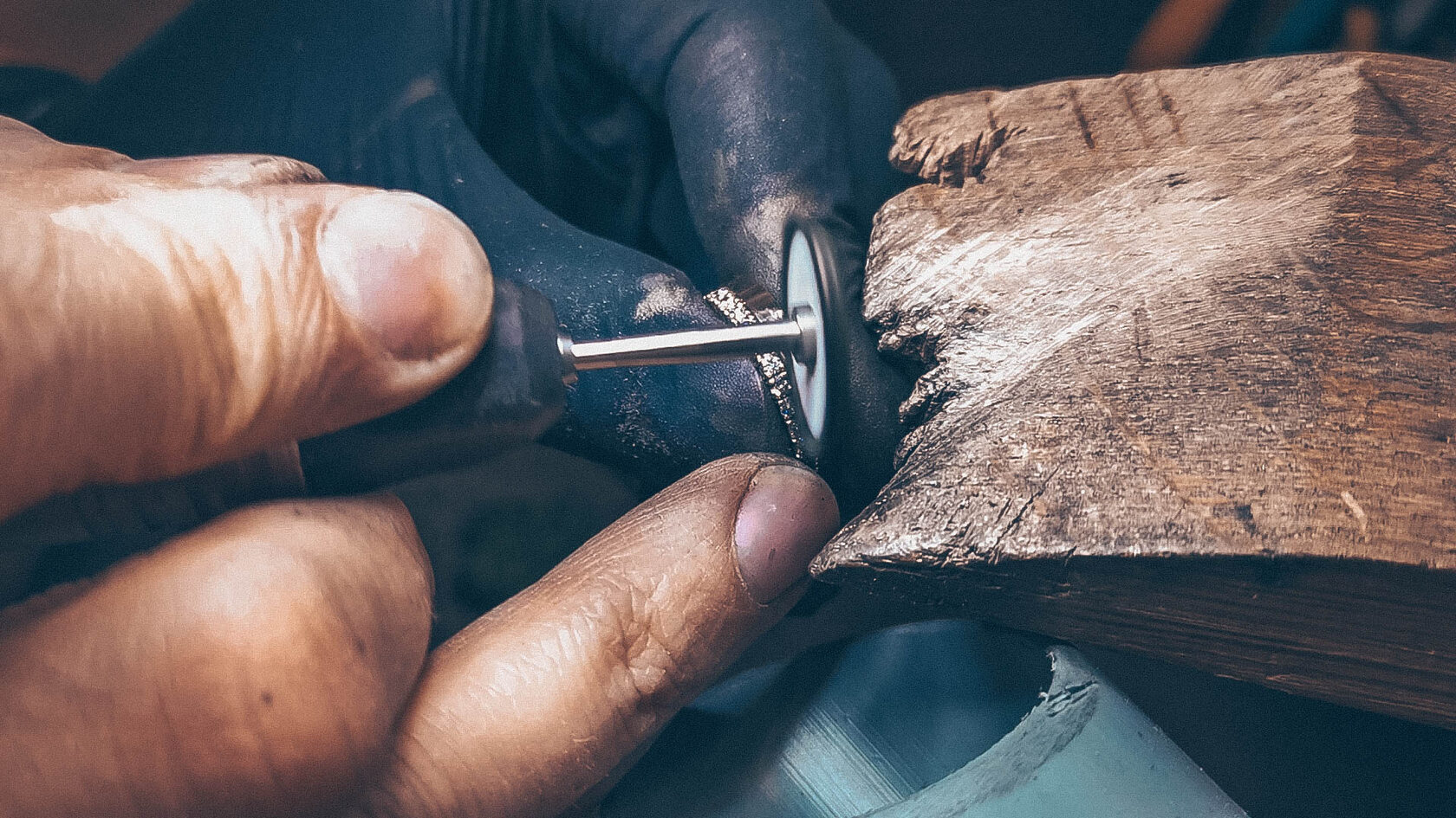 Обручальные кольца от производителя купить по выгодной цене или сделать на заказ - ювелирная мастерская Виктора Шадрина