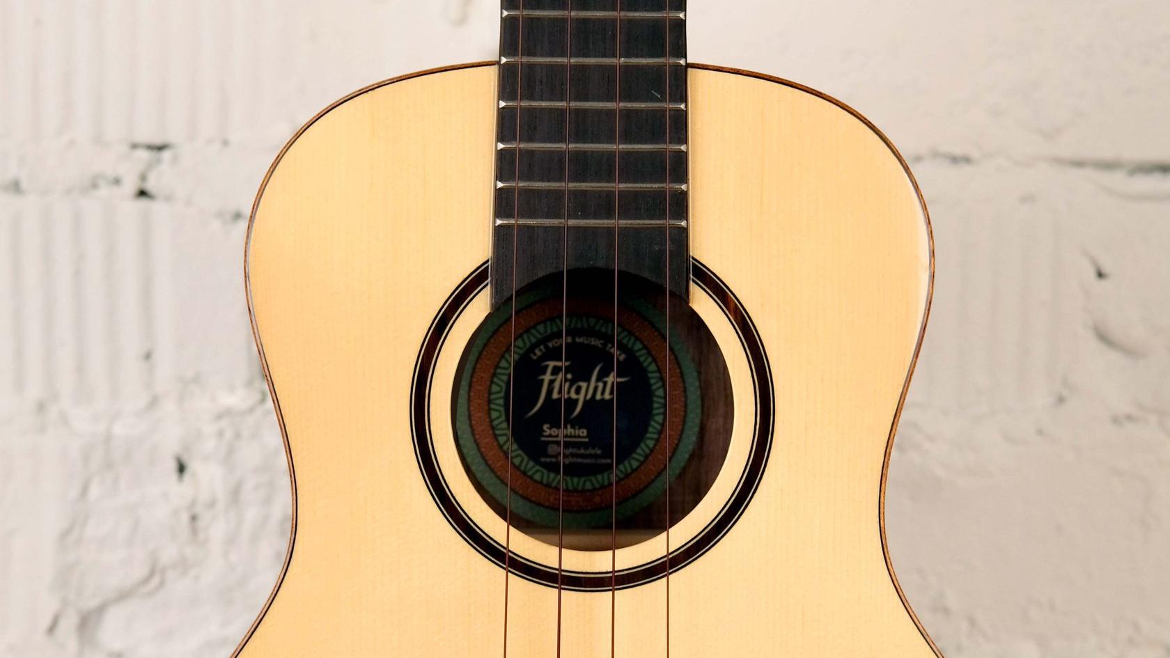 купить укулеле концерт Flight Sophia с фирменным чехлом в комплекте в магазине укулеле Ukelovers, ukulele concert, укулела