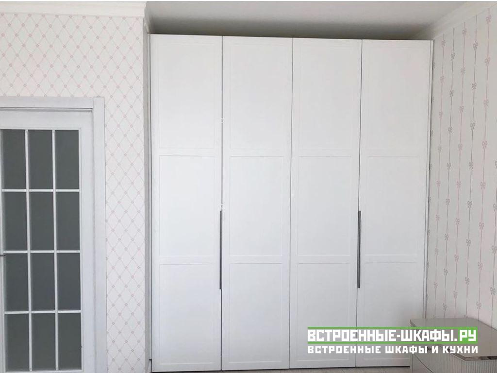 Шкаф гармошка в спальной комнате
